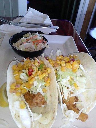 Lookout Tavern: Fish tacos