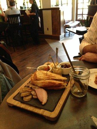 Cedric's Tavern - Biltmore Estate: Snack Break