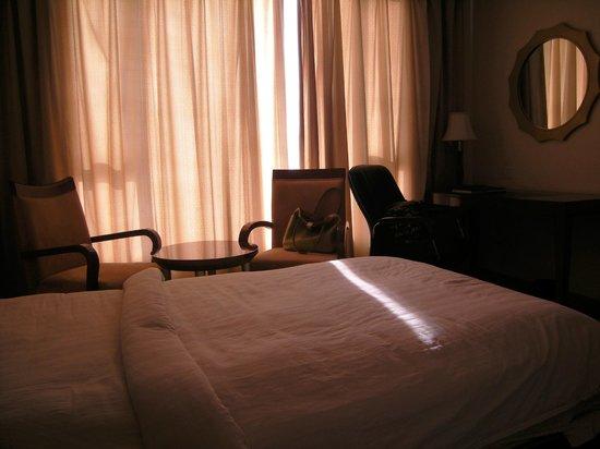 Clarks Inn Airport Hotel: Bedroom