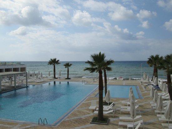 White Palace Luxury Resort: One of many stunning pools