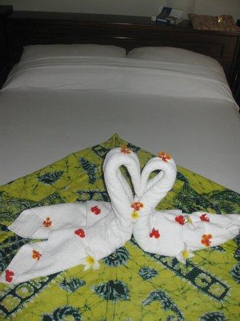 Coconut Grove Beach Resort: liebevoller Zimmerservice