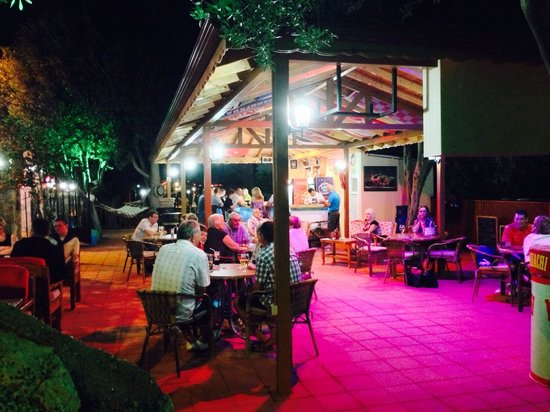 Oludeniz Cafe : Having a great time!