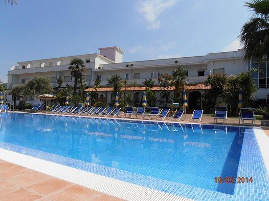 Hotel Mare: Hotel & pool area
