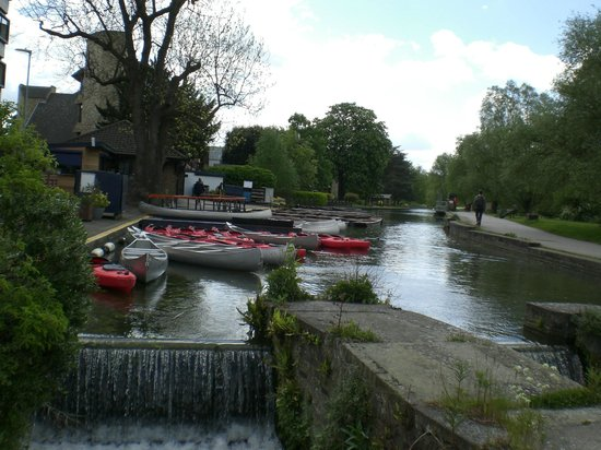 Scudamore's Punting Company: Boats for punting the River Cam