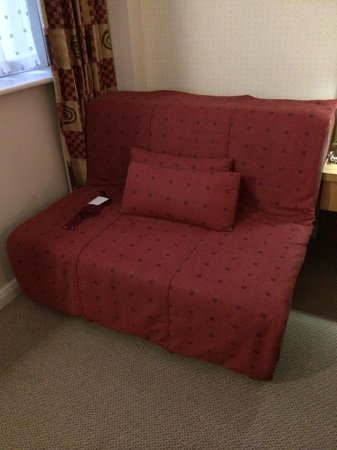 Holiday Inn Express Portsmouth - Gunwharf Quays: sofabed