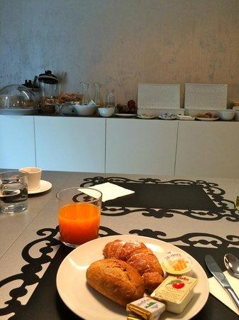 House 5 Room Design: colazione