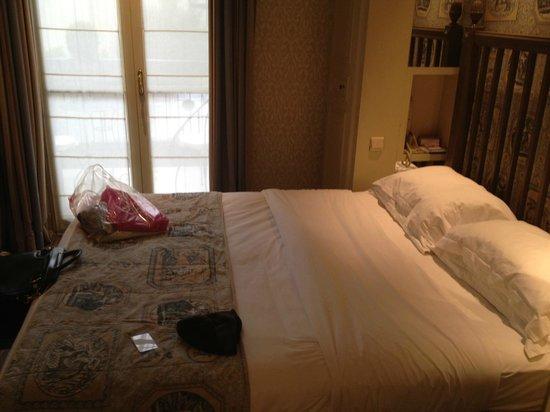 Hotel Arioso : quarto pequeno