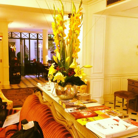 Hotel Arioso: hall
