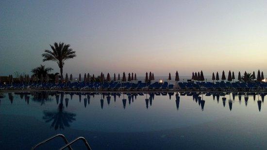 ClubHotel Riu Buena Vista : 2 piscines donnent sur la mer