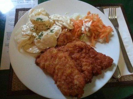 Ya Udah Bistro : Pork Schintzel
