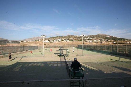 Paros Tennis Club: Tennis Courts balcony view
