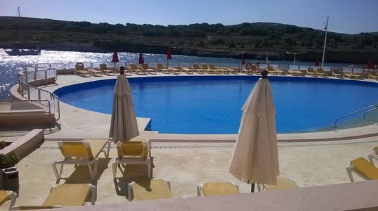 Comino Hotel: Swimming pool caution its a salt pool