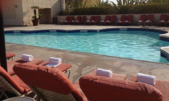 Hyatt Regency Orange County: The roof top pool