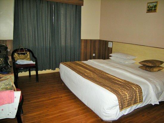 Hotel Badami Court: Bedroom