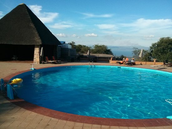 Akagera Game Lodge: Poolside evening