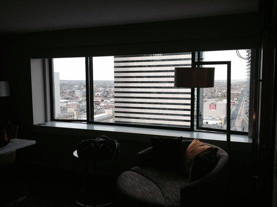 Grand Hyatt Denver Downtown: Corner room, nice 21st floor view