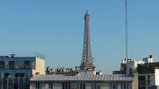 ibis Paris Tour Eiffel Cambronne 15ème : Foto tirada pela janela do hotel
