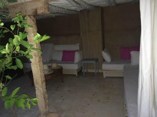 Riad Alma: Roof terrace seating area