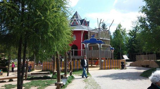 Center Parcs - Domaine des Trois Forets : pas mal de parc de jeux