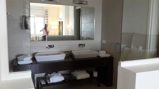 De.Light Boutique Hotel: Baño