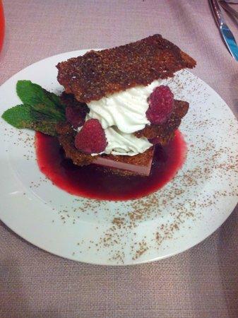 Le Tablier Bariolé : Feuille à feuille de pain d'épice aux framboise