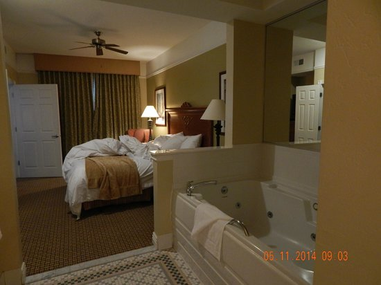 Master bedroom next to jacuzzi tub - Picture of Marriott\'s ...