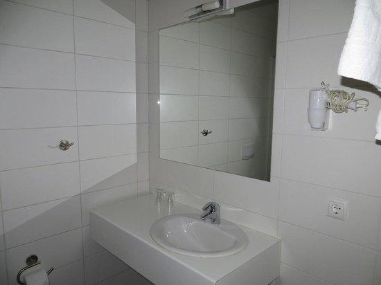 Hotel Klettur: Bathroom