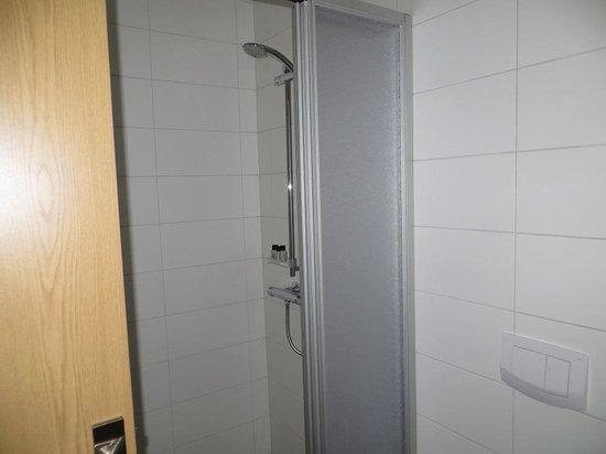 Hotel Klettur: Shower