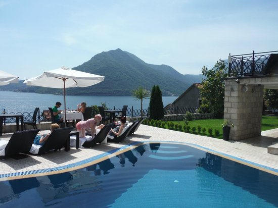 Hotel Restaurant Per Astra: view from the pool