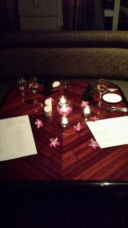 Omni Dallas Hotel at Park West: Complimentary surprise dinner table decoration