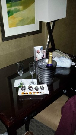 Omni Dallas Hotel at Park West : Champagne included in package. Specially ordered chocolate strawberries