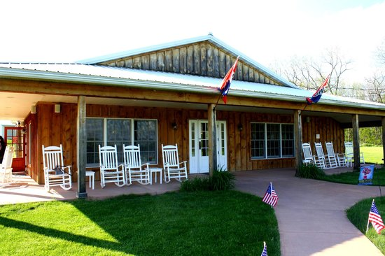 Varick Winery & Vineyard: Varick Winery