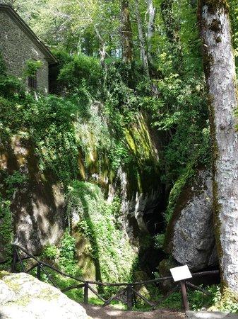 La Verna (Santuario Francescano) : Angolo di Sasso Spicco