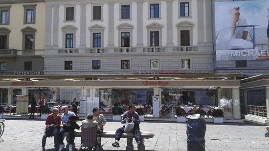 Piazza della Repubblica : Giubbe Rosse e Pesce Rosso