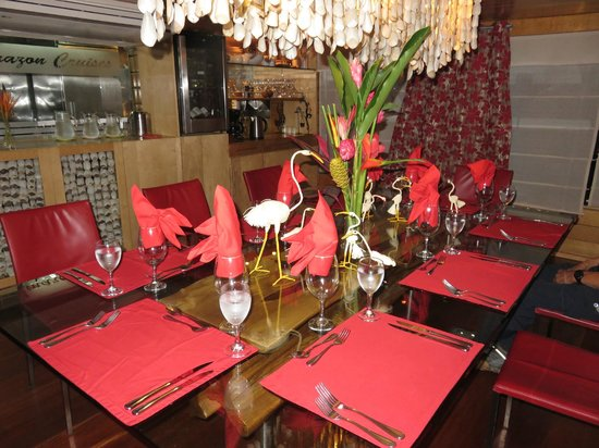 Pacaya Samiria: Dining room - they changed the decor for EVERY meal