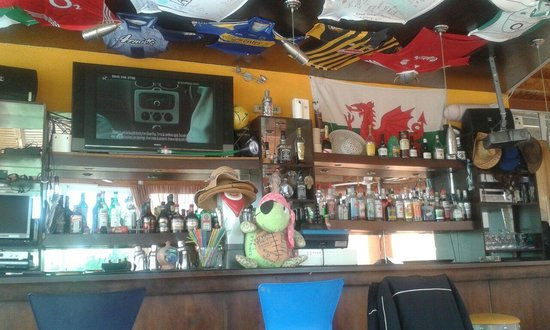 Hotel Karras: The pool bar