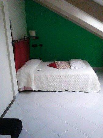 Villa Lara : il comodo letto