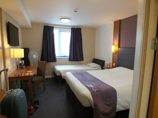 Premier Inn Edinburgh Leith Waterfront Hotel: room 42