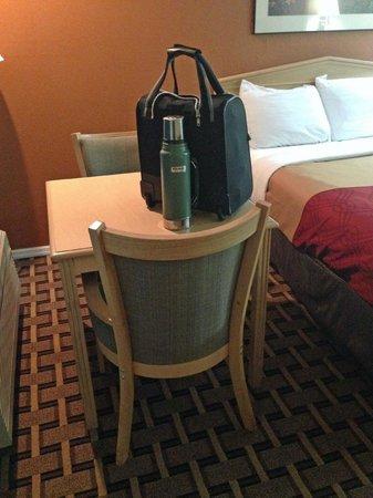 Econo Lodge: little table