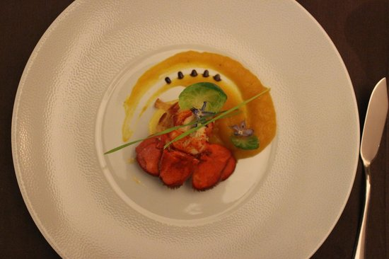 Les Gourmets : Queue de Homard, Fondant de Courge Butternut.