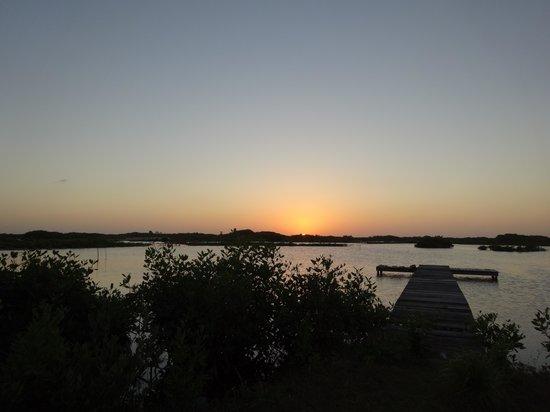 Belizean Shores Resort : Sunset Lagon side