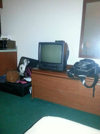 Americas Best Value Inn & Suites: Old and outdated