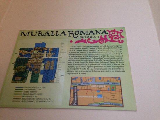 Victoria Apartments: mura romane