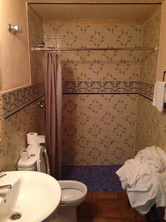 Victoria Apartments: bagno
