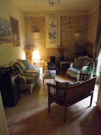 Le Jardin Sarlat: Cozy Family Room