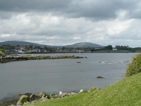 Dunguaire Castle : Oceano e Kinvara, Irlanda