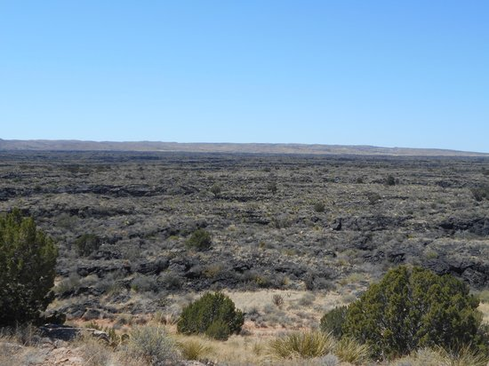 Valley of Fires Recreation Area: Lava Flow through the mountains