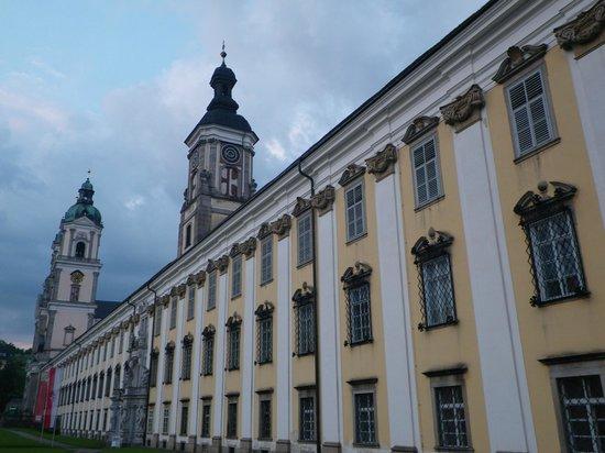 Augustiner Chorherrenstift St. Florian: Façade côté parc