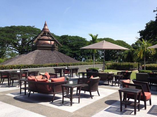 Shangri-La's Rasa Sayang Resort & Spa : The rasa garden perfect for afternoon tea