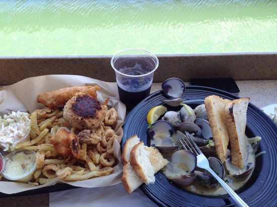 Mitch's Seafood: Mixed seafood with a steamed clams